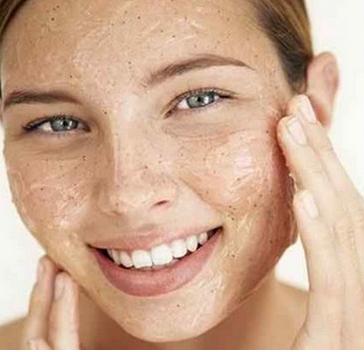 acne tardive femme